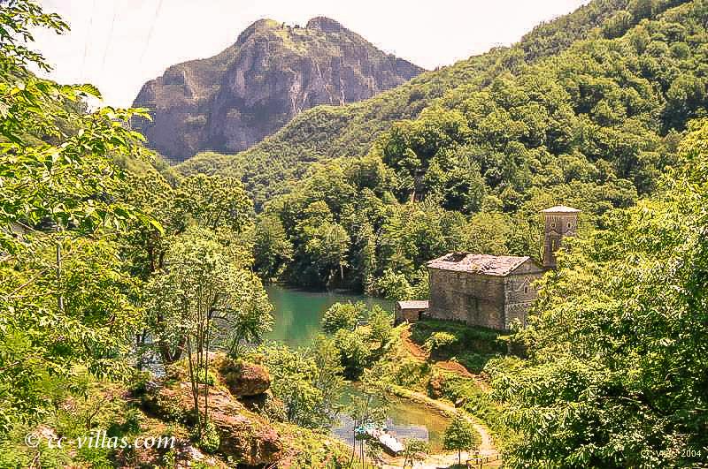 Garfagnana Lucca - Lago di Valli, verlassenes Dorf