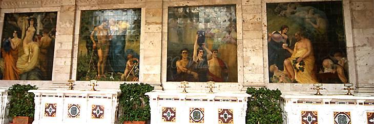 Montecatini Terme - Allegorie in der Tettuccio Terme - unter den Motiven die Zapfsäulen