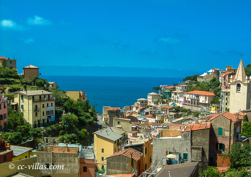 Cinque Terre Ligurien - Riomaggiore mit blick auf das Meer