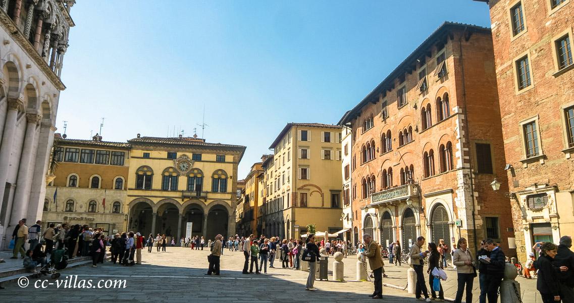 Lucca Toskana - Piazza san Michele