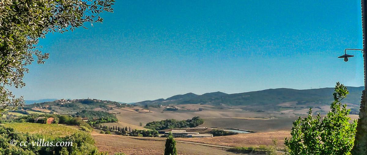 Volterra Toskana - Ansicht der Stadt auf dem Hügel