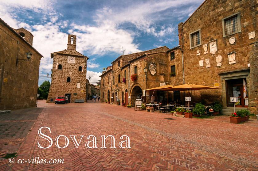 Sovana, Stadt in der südlichen Maremma - Piazza del Pretorio