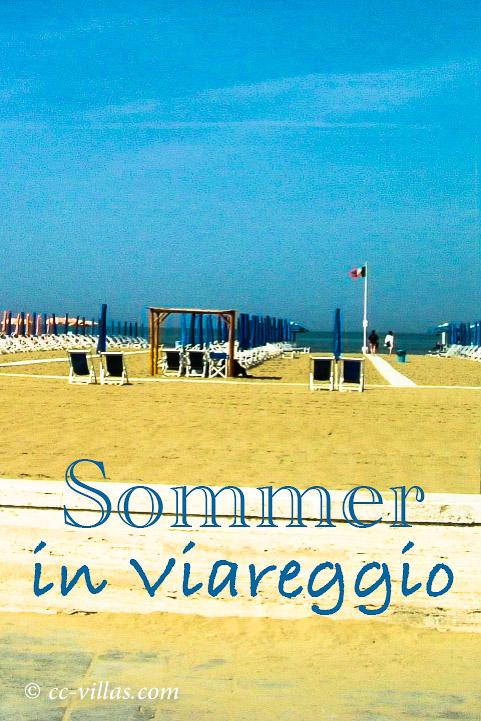 Viareggio Italien am Strand im Sommer