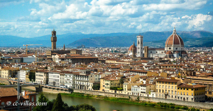 mit dem Zug von Lucca oder Pisa nach Florenz