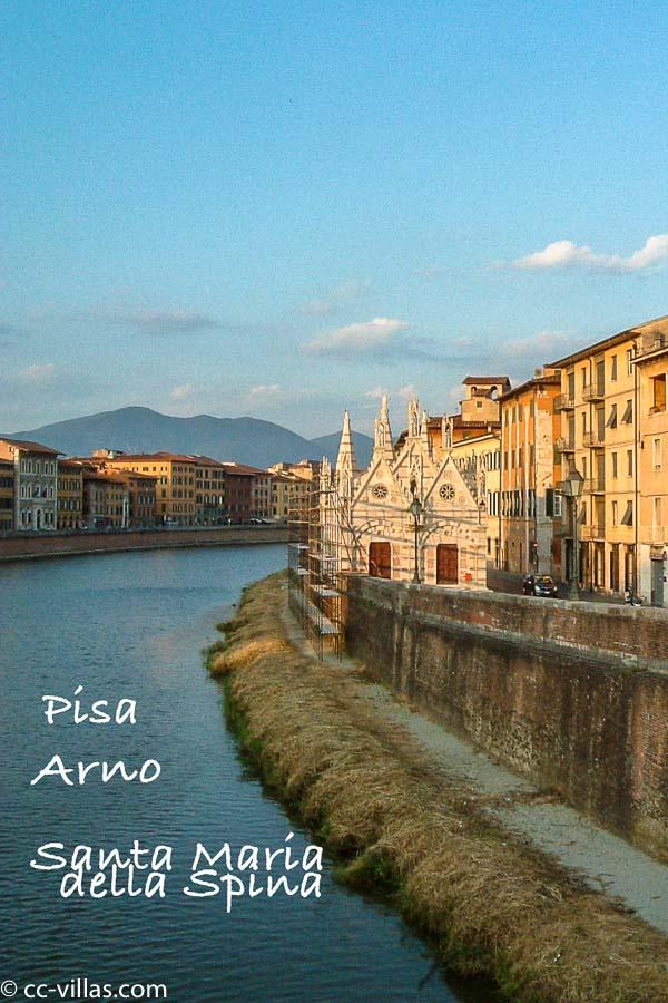 Pisa - am Arno die Dornenkirche Santa Maria della Spina