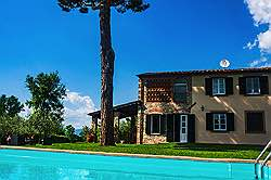 Small Tuscany Cottage with private pool - Again view towards the ho