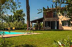 Small Tuscany Cottage with private pool - the ratan sitting group a