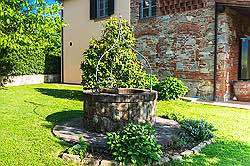 Small Tuscany Cottage with private pool - open french window door