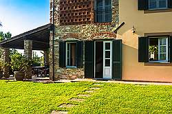 Small Tuscany Cottage with private pool - the woonderfull old grill