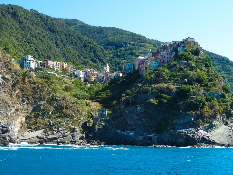 Corniglia die mittlere der 5 Dörfer und nicht direkt am Meer gelegen, sondern hoch auf den Felsen